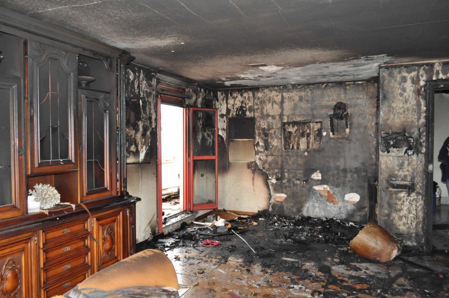 Incendio in salotto, cosa fare?